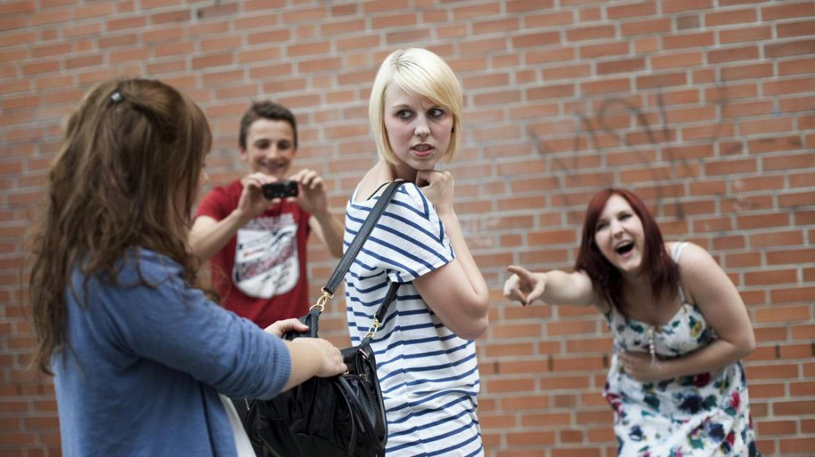 mobbing-in-der-schule-110~1280x720